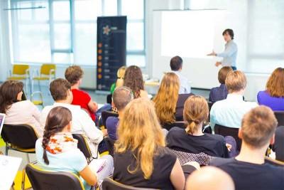 Políticas para el cuidado de la salud de los docentes universitarios