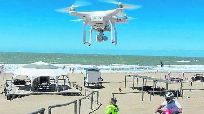 Seis drones controlan ahora a los cuatriciclos en Pinamar