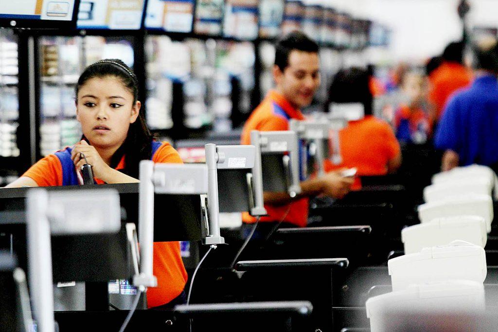 Los empleados de Comercio tienen la obligación de contar con dos seguros de vida