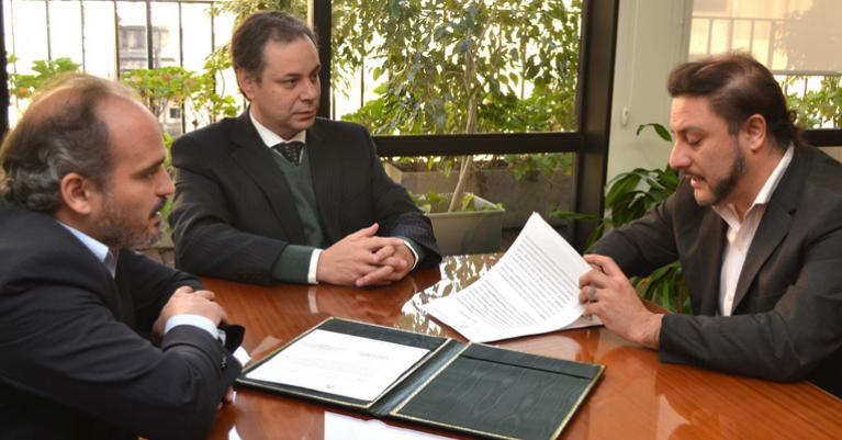 La SRT y Santa Cruz firman acuerdo para optimizar la calidad del empleo en la provincia