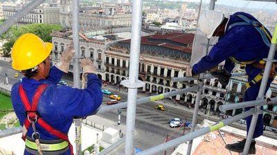Empresas ahorraron más de 22.600 millones de pesos por los cambios en la ley de ART