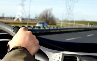 Proyecto para que el seguro del auto en la Provincia esté visible en el parabrisas